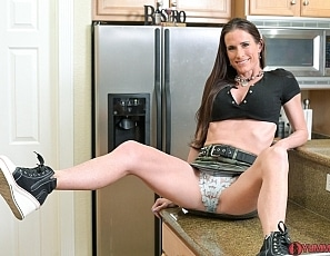 SofieMarieXXX/Cum In the Kitchen with Stepmom